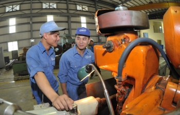 hanoi steps up industrial restructuring plans for 2021