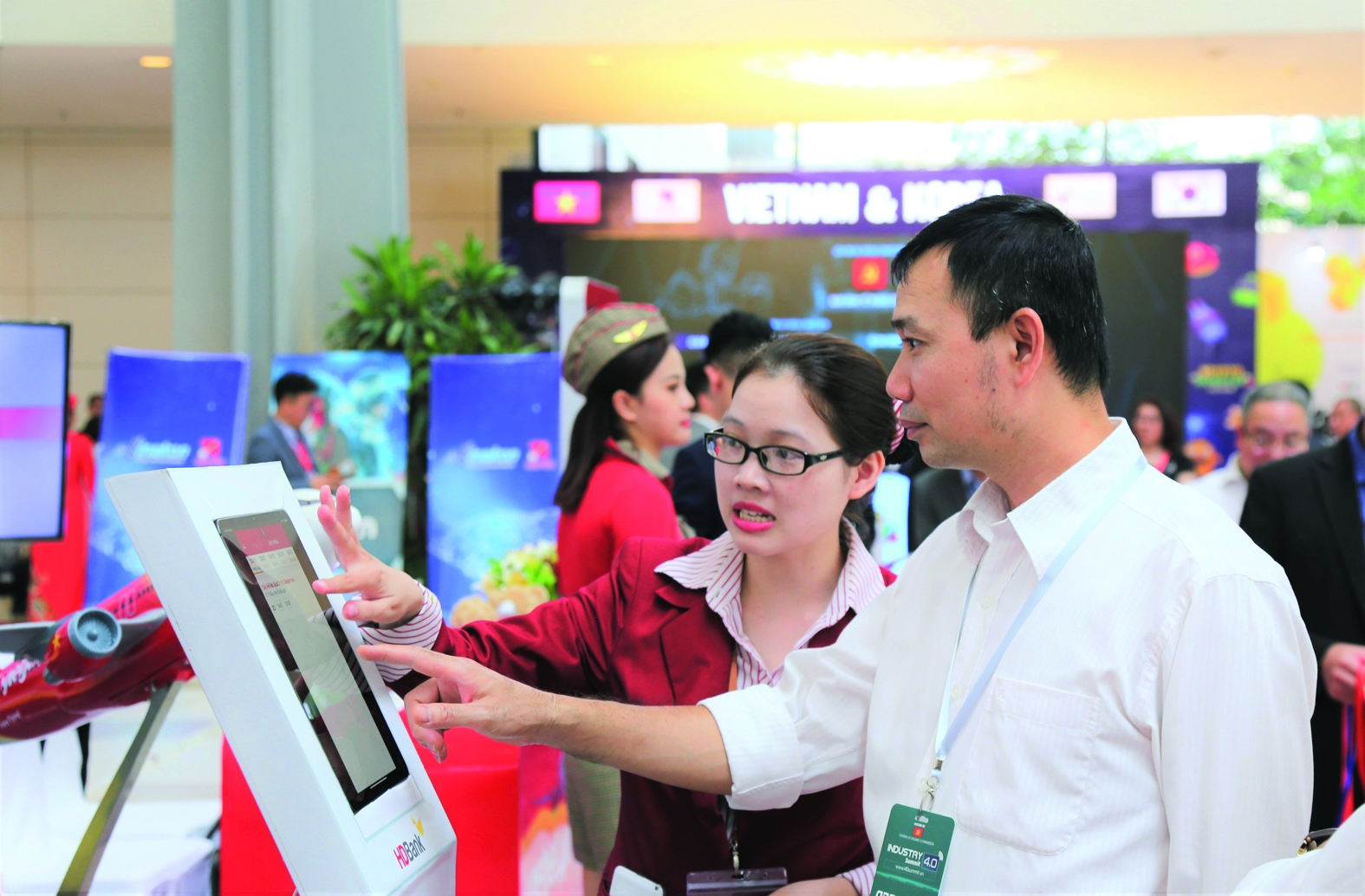 vietnam boosts digital banking development