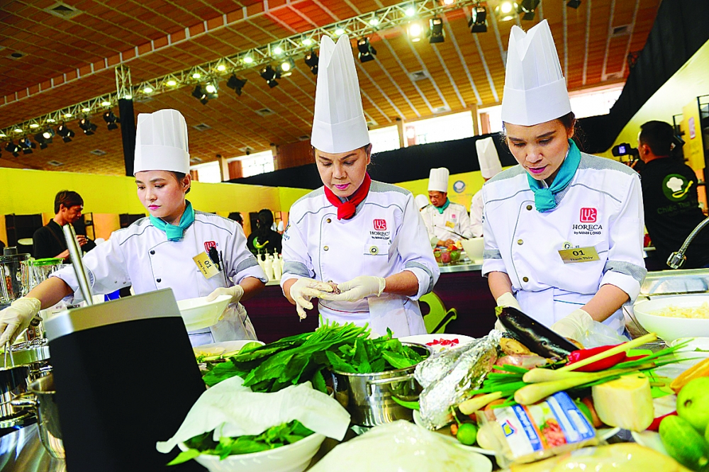 experts urge promotion of food tourism