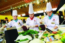 taste of vietnam experts urge promotion of food tourism