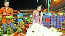 hanoi wholesale markets fail to draw development capital