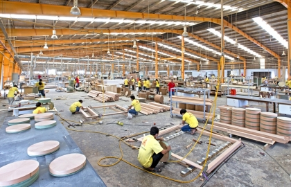 vietnam mulls ways to overcome raw material shortages