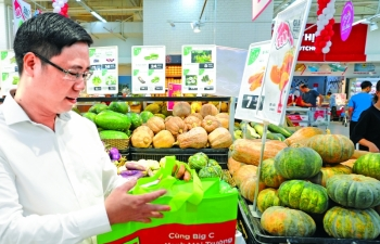 central retail ways to reduce plastic waste