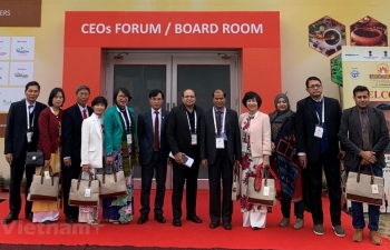 vietnam displays healthcare pharma products