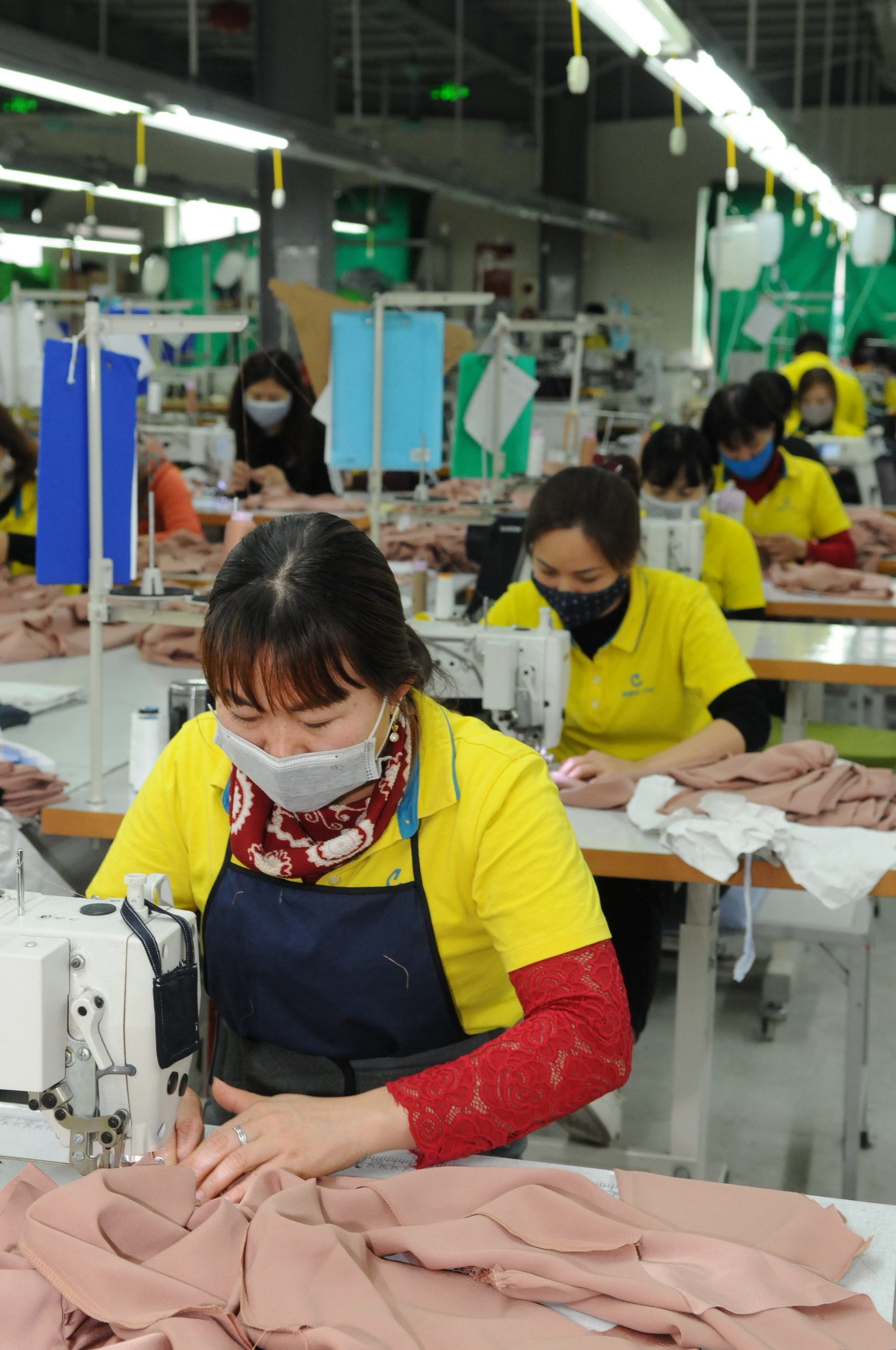 binh duong strives to increase local content of products