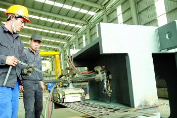 private sector growth too sluggish experts say