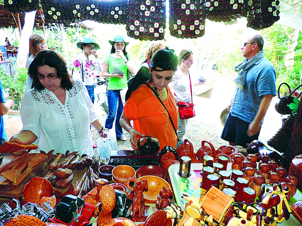 foreign visitors spending more in vietnam