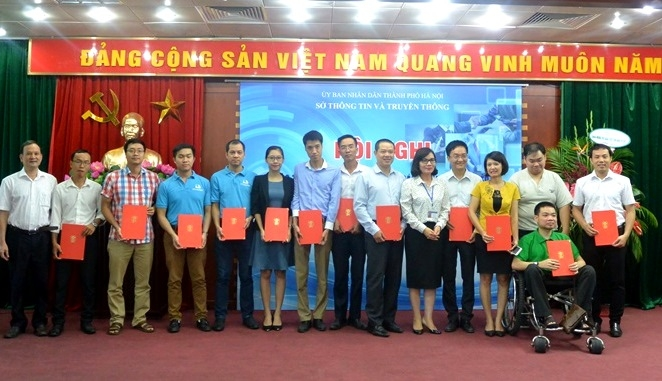 from classifying rubbish to e learning hanoi fuels startups