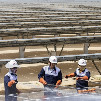 vietnam attracts foreign investors in renewable energy