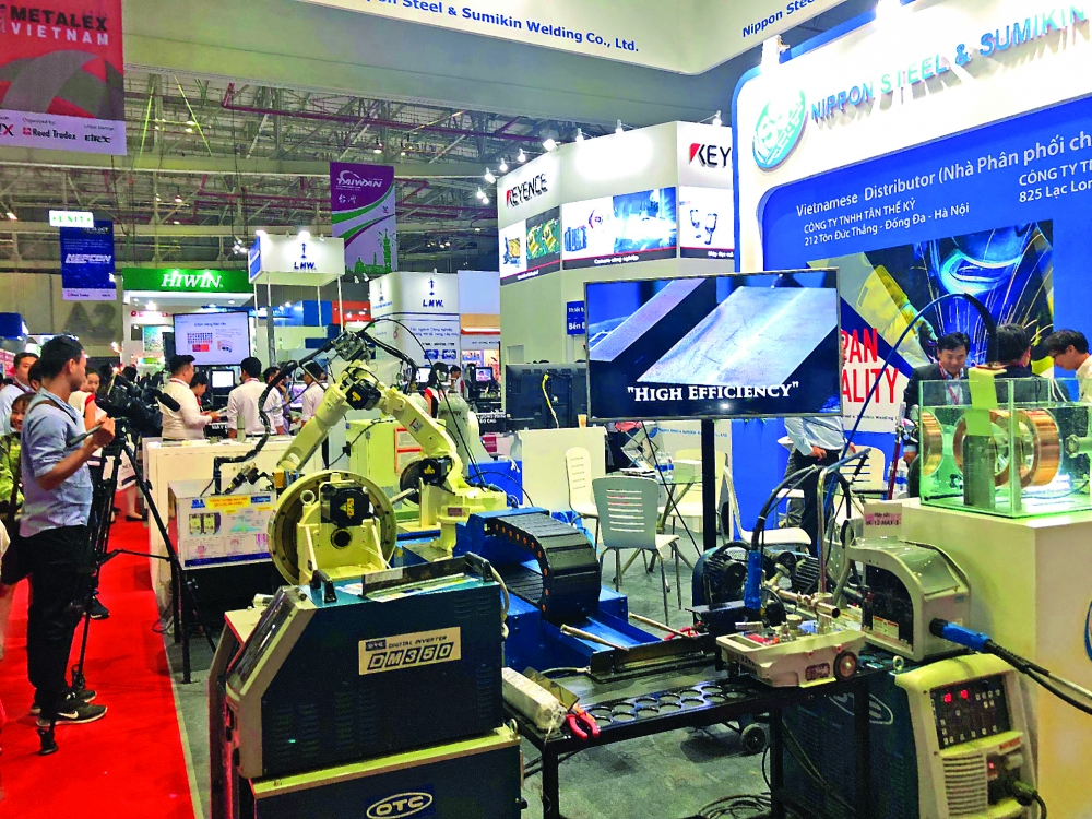 three mega exhibitions offer manufacturing experience