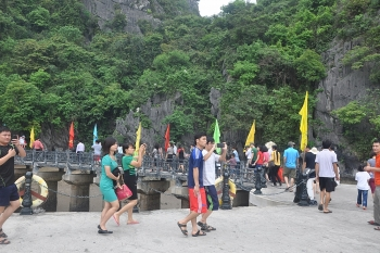 environmental protection in ha long bay a top priority