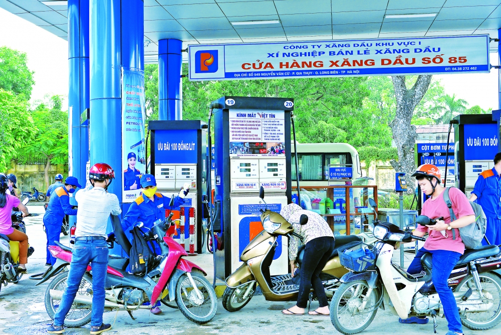authorities seek to ensure sufficient supply of food petrol
