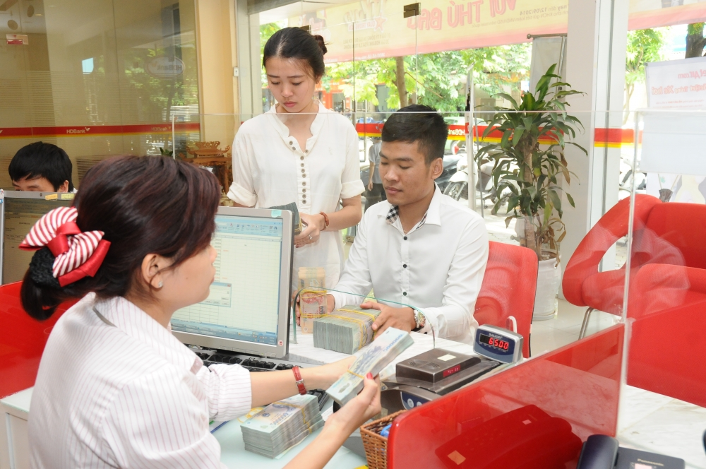 government wants every vietnamese to have a bank account
