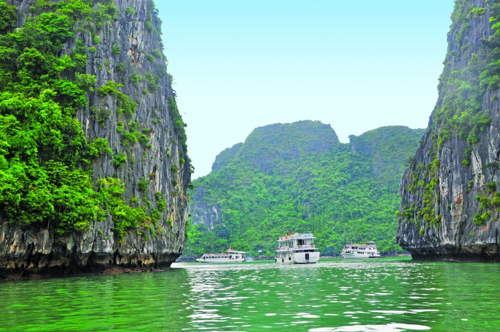quang ninh develops tourism while preserving heritage value