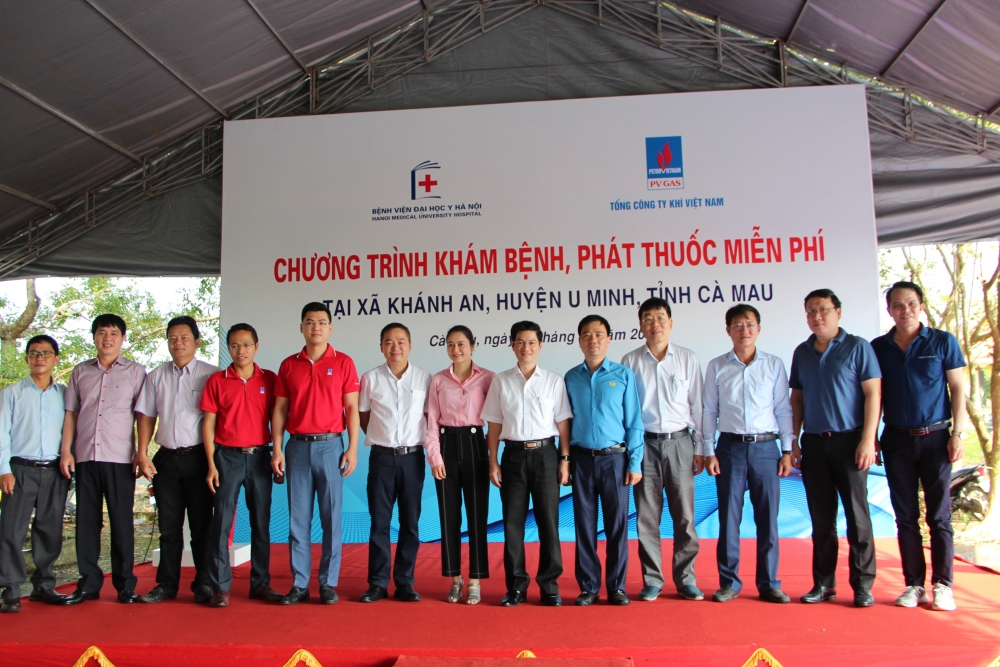 pv gas conducts medical examination and treatment in ca mau