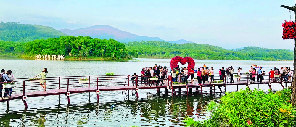 uong bi builds itself up as buddhist tourism destination