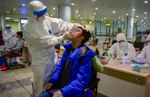vietnamese give top marks to authorities pandemic handling