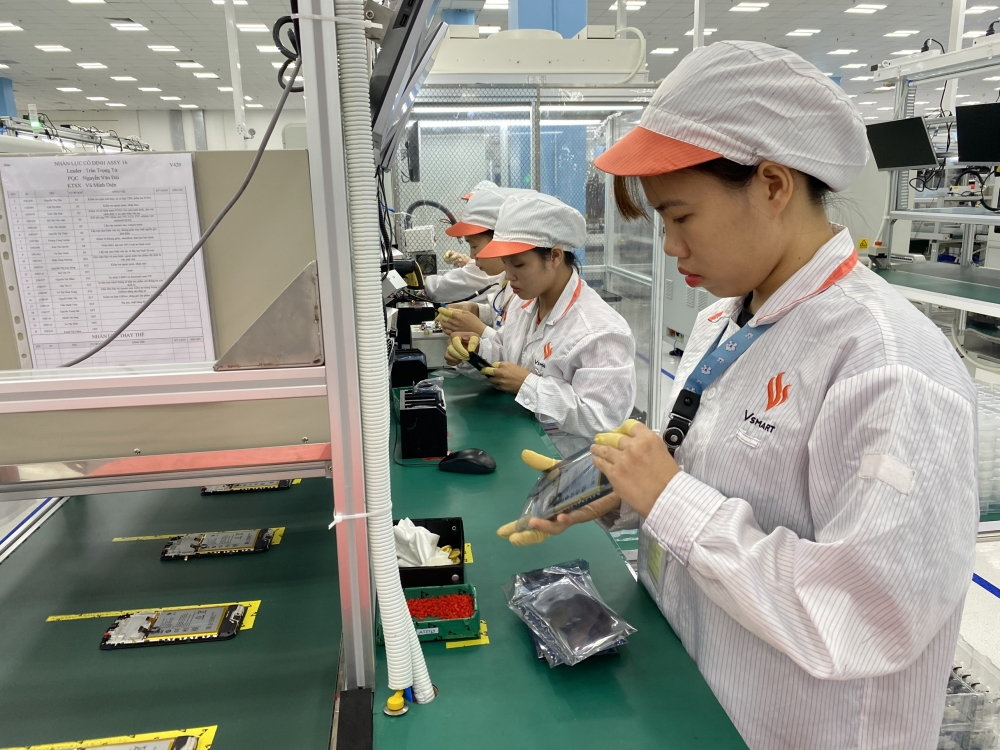 vietnam mulls measures to boost electronics support industries
