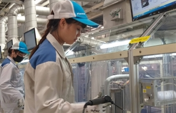 viet nams manufacturing drops to record low in march due to pandemic