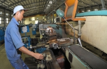 focusing on development of key support industries