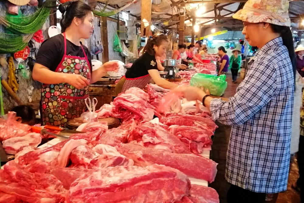 vietnams effort to lower pork prices hogtied by distributors consumers