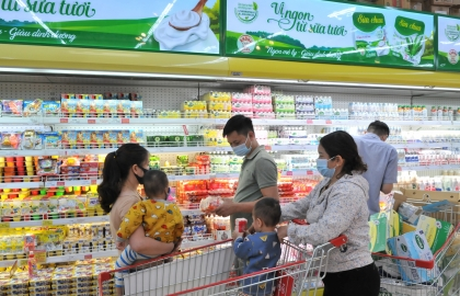 vietnam works to control pandemic ensure sufficient essential goods