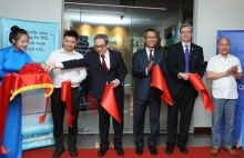 qualcomm launches first rd facility in region in hanoi
