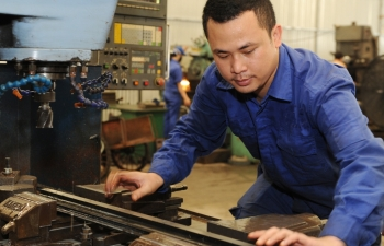 binh duong province determined to bolster support industries