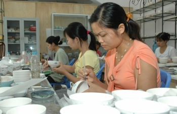 the greening of bat trang pottery village