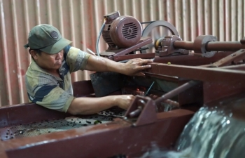 developing key national projects to boost rural industry