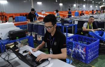 vietnam places focus on e commerce to improve business competitiveness