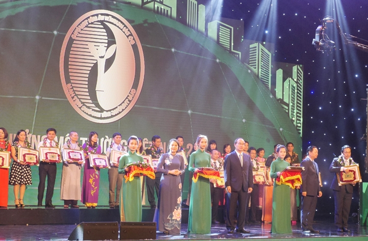 panasonic vietnam was 2nd time awarded the national environment award 2017