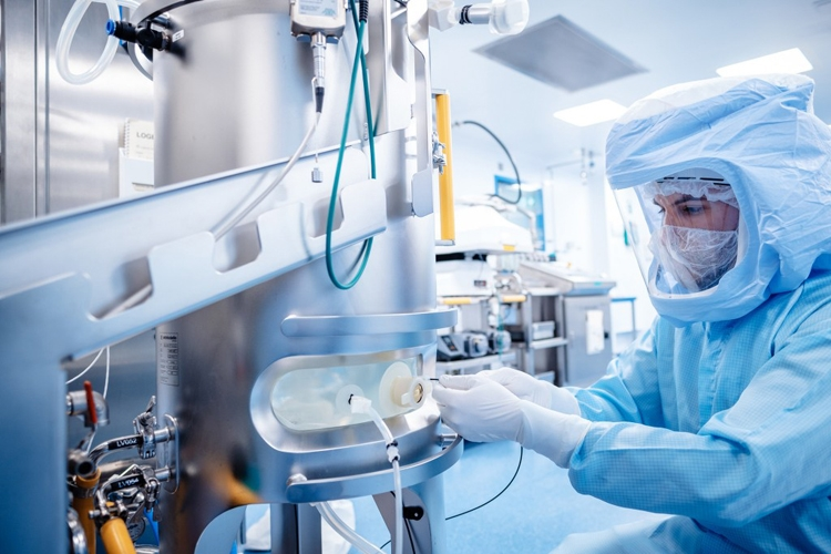 siemens and biontech expand collaboration starting with a production facility in singapore