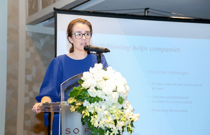 how the whistleblowing and uk corporate governance helps vietnamese company
