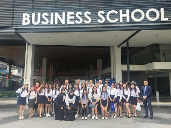 icaew partners with singapore polytechnic indonesian and vietnamese universities
