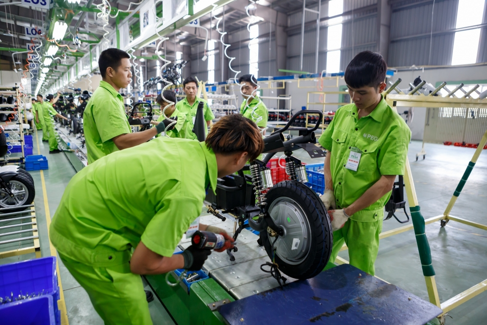 government prioritizes enterprise development administrative reform