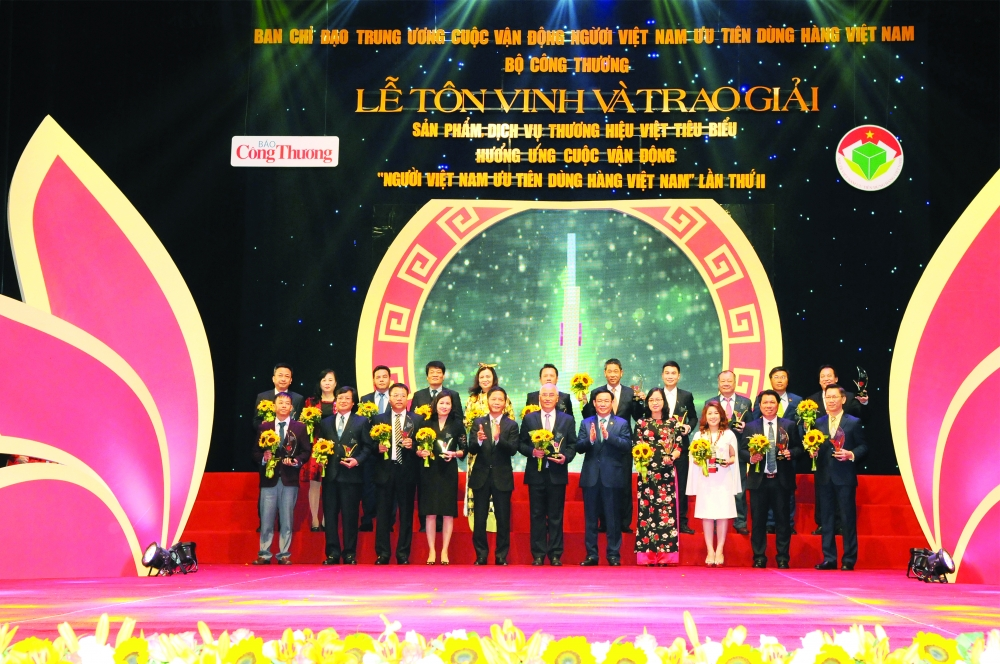 vietnamese products and services honored for their excellence