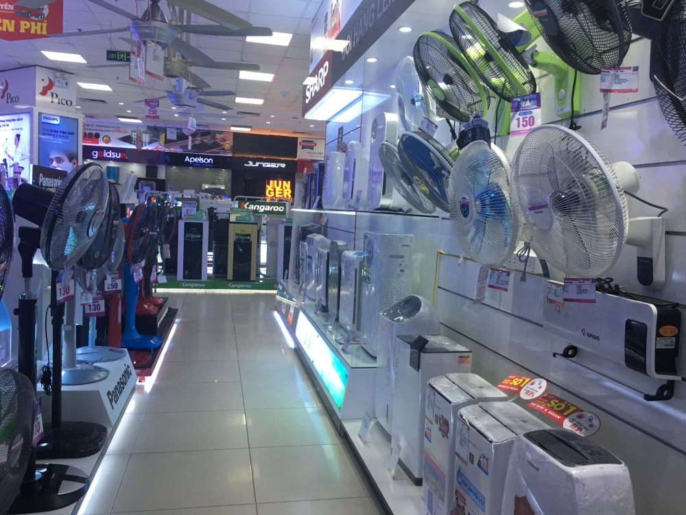 despite discounts hanoi electronics consumers staying away