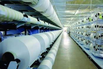 yarn fiber firms weave their way to export records