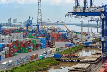 officials say trade deficit not cause for concern yet