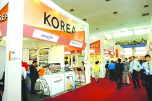 rok ranks third among vietnams trading partners