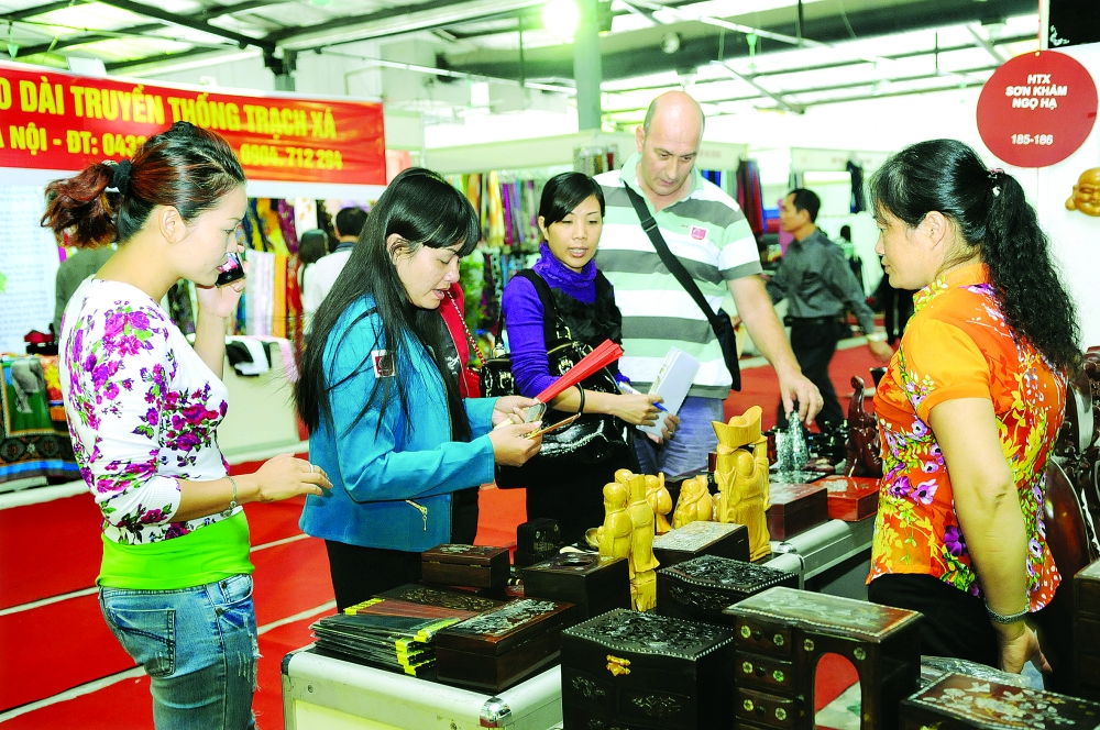 hanoi plans handicraft beauty contest to draw tourists