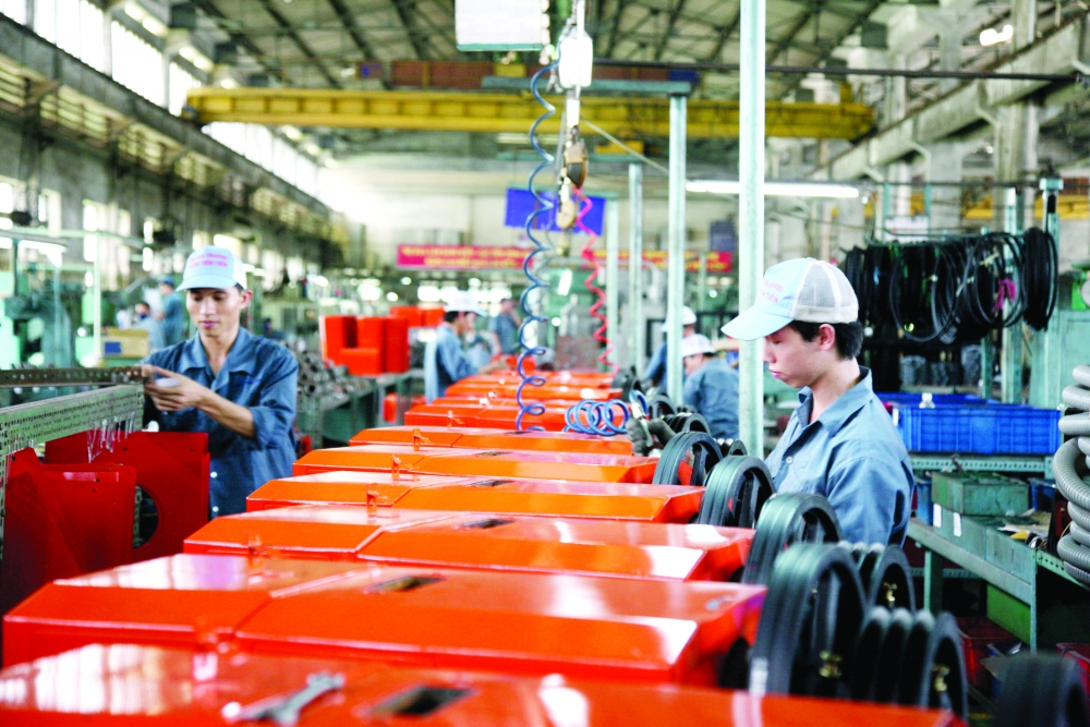 hanoi seeks ways to boost support industries