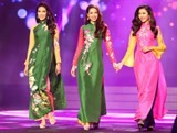 supermodels ignite the runway in hcm city