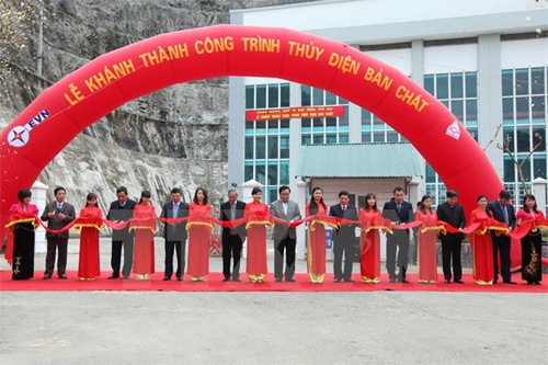 Ban Chat, Huoi Quang hydropower plants begin generating electricity