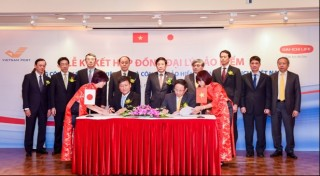 dai ichi life vietnam and vietnam post corporation signed exclusive life insurance agency agreement