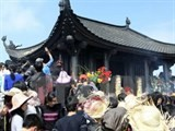 yen tu festival starts visitors enjoy birds eye views