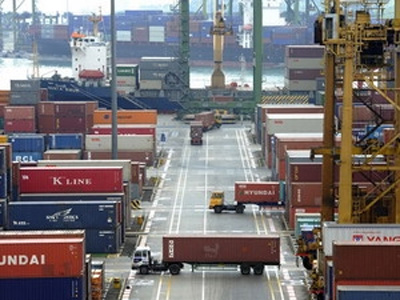 Singapore's exports to China see record low in seven years