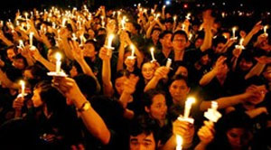 Hanoi residents respond to Earth Hour campaign