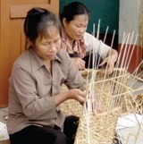 binh dinh backs production in craft villages
